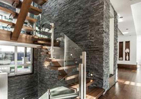 Custom home built in Laval, Quebec